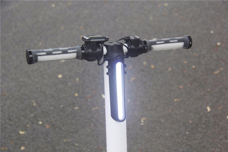 Elektrická koloběžka Eljet Carbon Light - řídítka