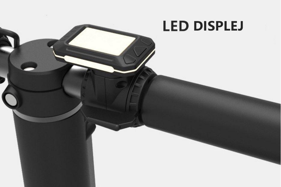 Elektrická koloběžka Eljet Carbon Light - přehledný LED displej